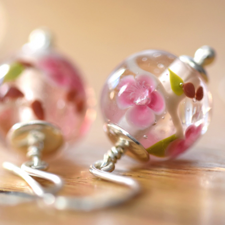 Ysée earrings with peach...