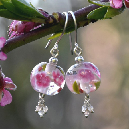 Clara earrings with peach...